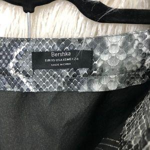 Bershka Skirts - Bershka Leather Grey Snake Print zipper Skirt